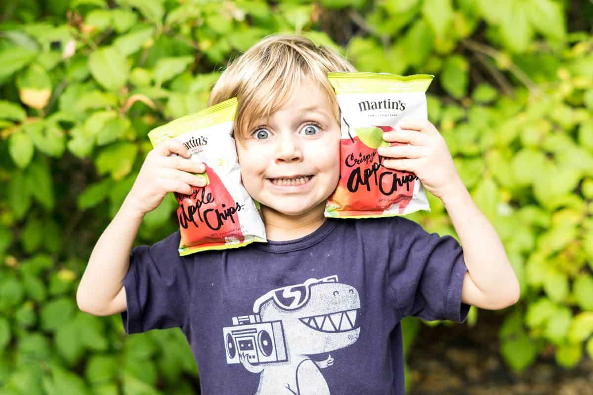 Apple Nachos -hot and cheesy! #applenachos #apples #applechips #nachos #afterschoolsnack #snack #kidsnacks #kidfriendly #funfood
